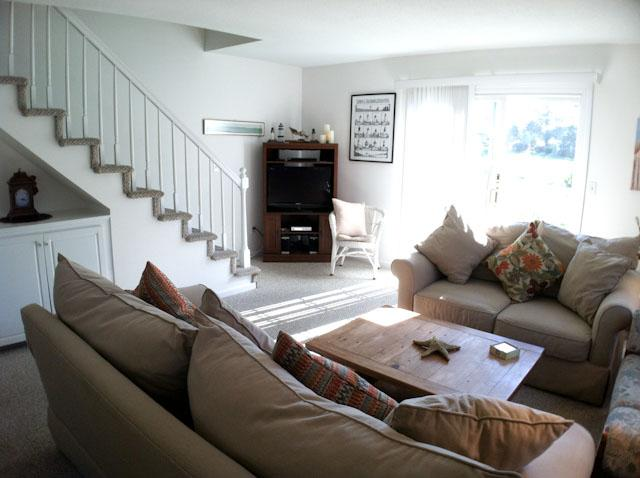 Living Area - Ocean Edge Lovely Patio Style with A/C & Pool (fees apply) - SU0053 - Brewster - rentals