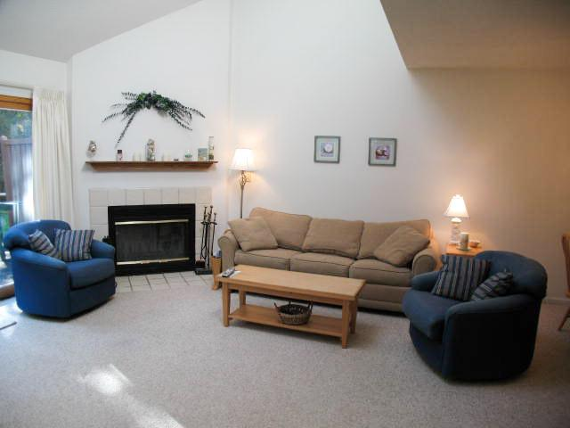 Living Area - Ocean Edge w/Straight Staircase & pool (fees apply) - BI0040 - Brewster - rentals