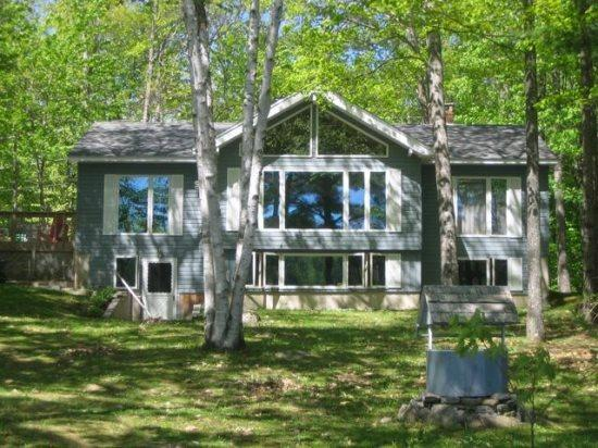 Welcome to Duck Inn - DUCK INN | WAYNE MAINE | ON DEXTER POND | KAYAKING, FISHING, SWIMMING, BIRDING | FAMILY VACATION | GIRL'S WEEKEND - Wayne - rentals