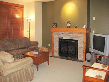 Living Room - The Cabins at Crooked Pines - TC014 - Mammoth Lakes - rentals