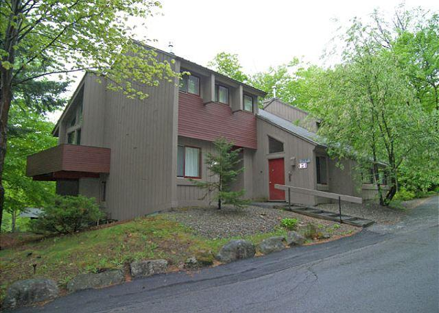 Exterior of Building - Village of Loon 20E- Managed by Loon Reservation Service - Lincoln - rentals