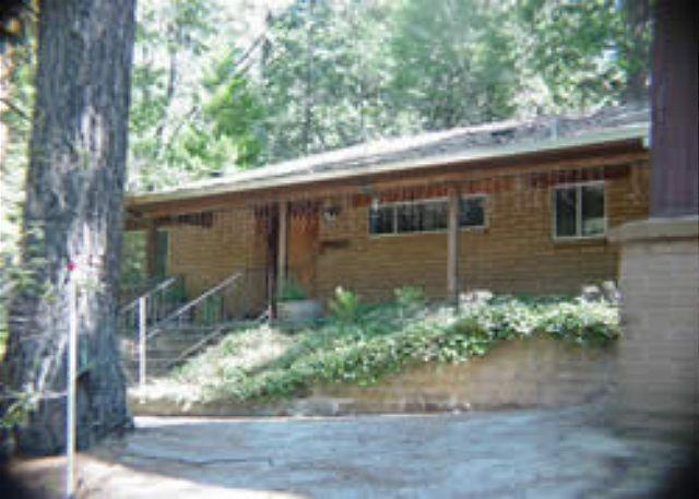 Exterior - Nice family home- near lake, fenced backyard, kitchen, game table, pets ok - Twain Harte - rentals