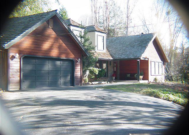 Exterior - Gorgeous 3 BR/2BA home in wooded area- deck, gourmet kitchen, patio, BBQ - Twain Harte - rentals