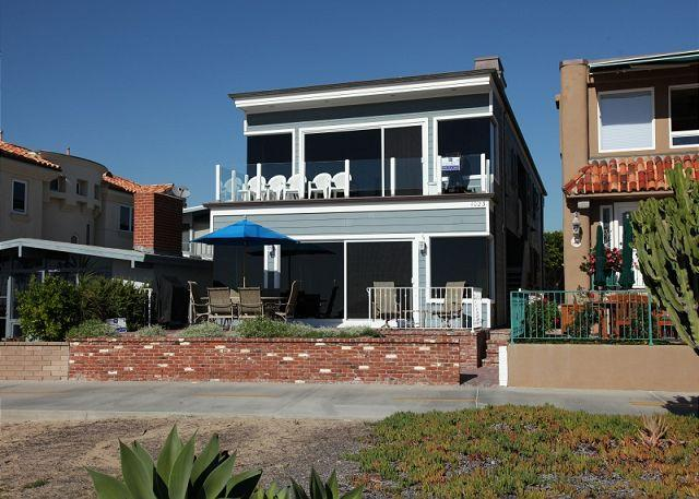 Beachfront Exterior View - Enjoy the Beach at this Luxury 3 Bedroom Oceanfront Duplex! (68258) - Newport Beach - rentals