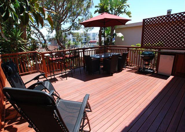 Enjoy the Sun in this Lovely 4 Bedroom Spanish Style Home! (68164) - Image 1 - Newport Beach - rentals