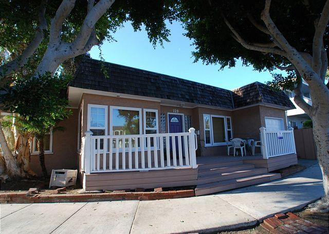 Spacious Peninsula Point Single Family Home! (68208) - Image 1 - Balboa - rentals