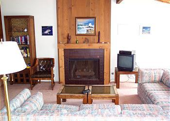 2 Bedroom, 2 Bathroom Vacation Rental in Solana Beach - (SUR149) - Image 1 - Solana Beach - rentals