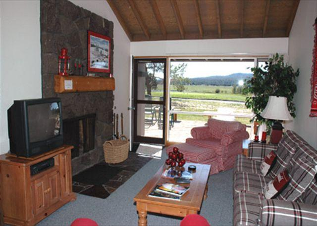 Living room - Panoramic views of Sunriver - Sunriver - rentals