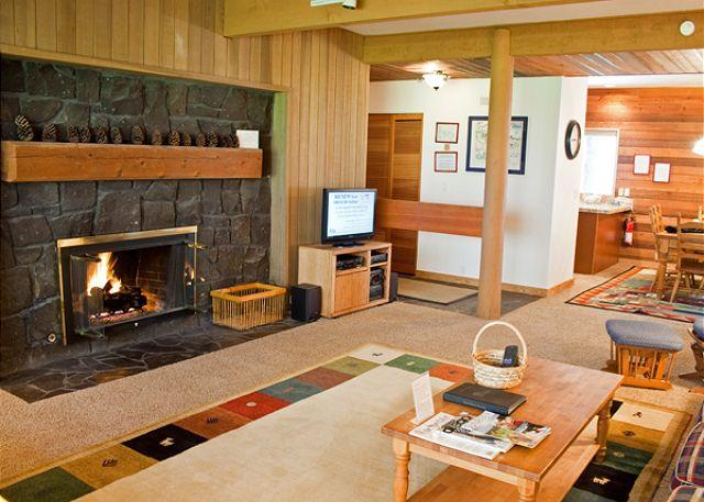 Over view of Living Space - Premier Sunriver location - Sunriver - rentals