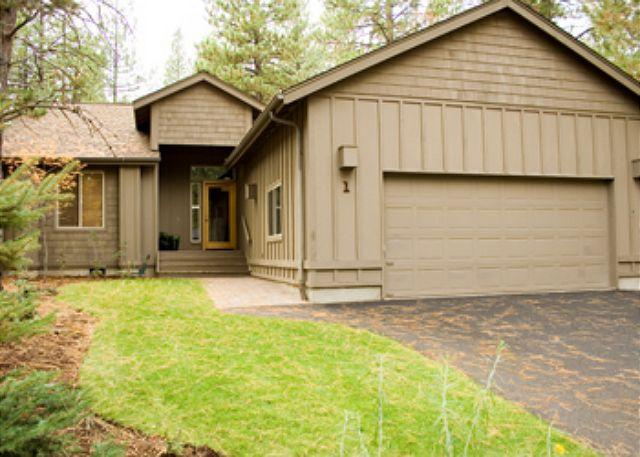 Front View Of Home With Two Car Garage - Stylish Home Single Level with Hot Tub and A/C - Sunriver - rentals