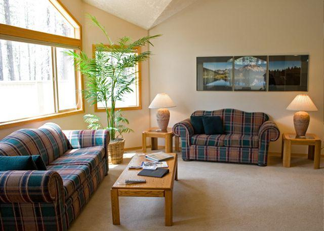 Filbert Lane # 13 - Charming Home with Hot Tub and A/C - Sunriver - rentals