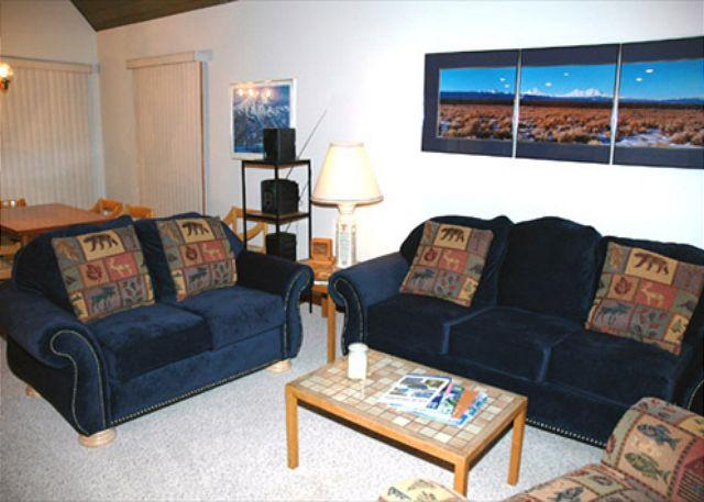 Living Room - Sunriver fun outside your door - Sunriver - rentals