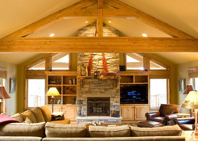 Livingroom - High-End with 2 Master Suites and Great Kitchen Close to Great Hall - Sunriver - rentals