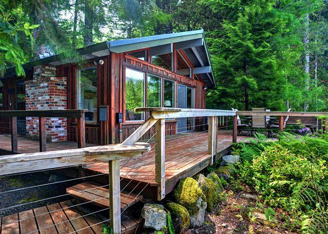 River View Cabin - Secluded, Riverfront, Hot Tub - Image 1 - Mount Hood - rentals