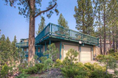 Cozy home perfect for a couple getaway, near slopes - HCH1232 - Image 1 - South Lake Tahoe - rentals