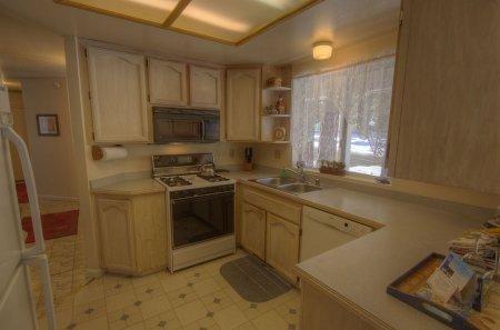 Only minutes to casinos or Heavenly Valley - HCH1030 - Image 1 - South Lake Tahoe - rentals