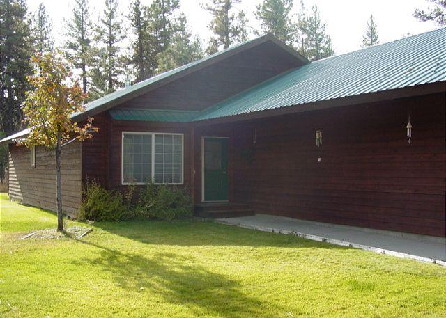 Exterior front - Bear-ly Heaven- Charming home with seasonal pool and tennis courts. - McCall - rentals