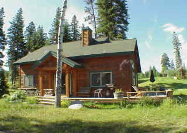 View of front - Comfortable cottage on the golf course. Walk to amenities. - McCall - rentals