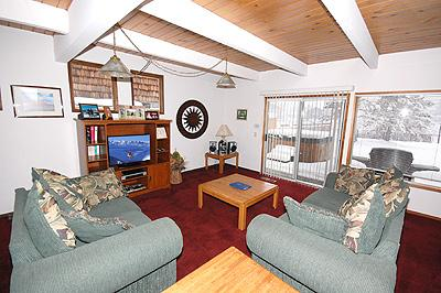 Living Room - 1893 Venice Drive - South Lake Tahoe - rentals