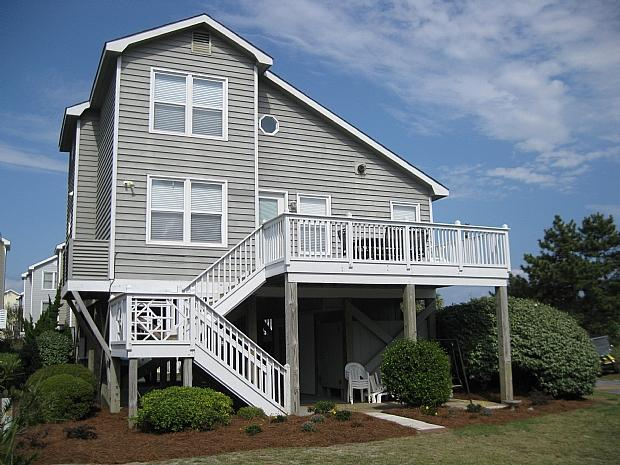 1 Barnacle Court - Barnacle Court 001 - Cuzzin's 19th Hole - Ocean Isle Beach - rentals
