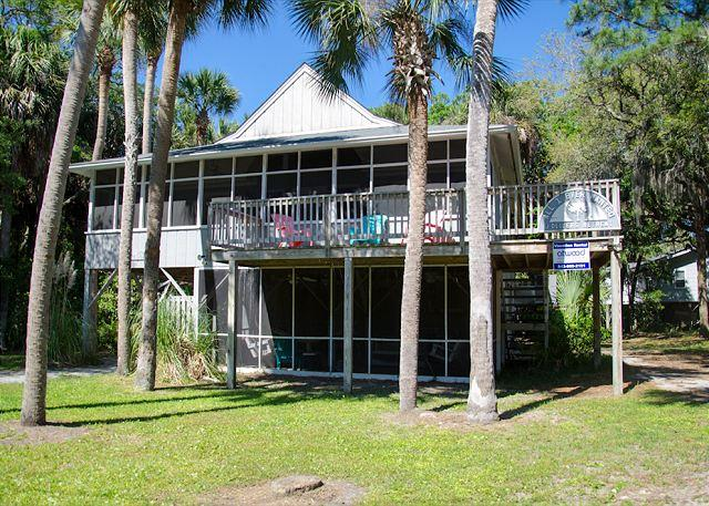 Palm Tree - Quick Beach Access, Lots of Shade From Palms - Image 1 - Edisto Beach - rentals