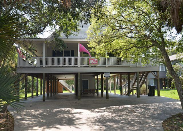 Just Trippin' - Tasteful Home Located Steps To the Ocean 4BR/2BA - Image 1 - Edisto Beach - rentals