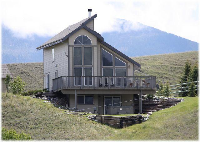Beautiful home on the Yellowstone River with gorgeous views of the mountains - Chicory Overlook - Pray - rentals