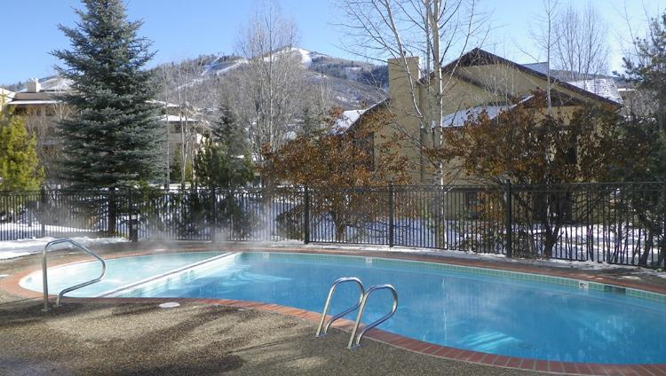 The Terraces-S32. Totally Renovated. Pool, Shuttle - Image 1 - Steamboat Springs - rentals