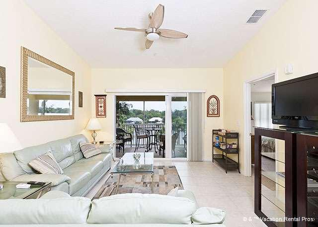 Light and airy living space is your home away from home - Canopy Walk 933, Hiking Trails, Wifi, Palm Coast, FL - Palm Coast - rentals
