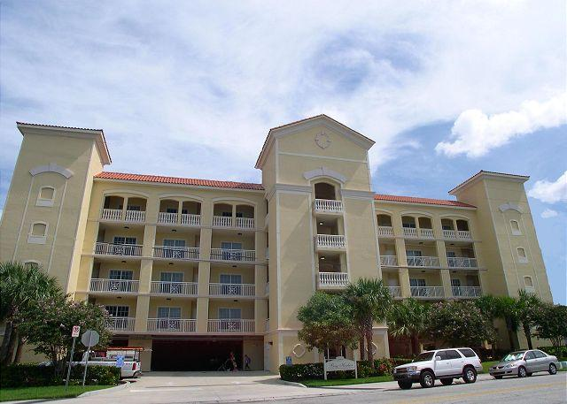 Bay Harbor 501 Luxuriously Upgraded Corner Penthouse with amazing Gulf Views! - Image 1 - Clearwater Beach - rentals
