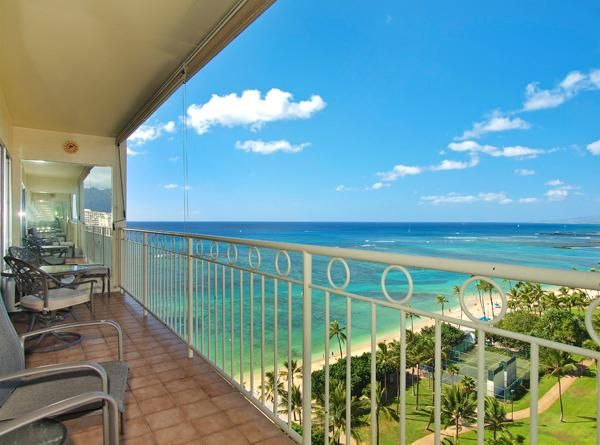 Waikiki Shore #1412 - Beachfront 1-bedroom, full kitchen, washer/dryer, A/C, WiFi, sleeps 4. - Image 1 - Waikiki - rentals