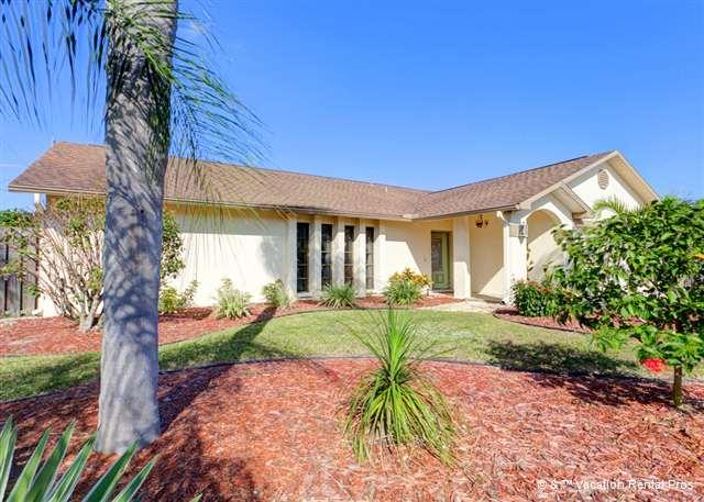 Our Venice Circle Drive house with private pool & new HDTV - Circle Drive Home with Heated Pool, HDTV & Wifi - Venice - rentals