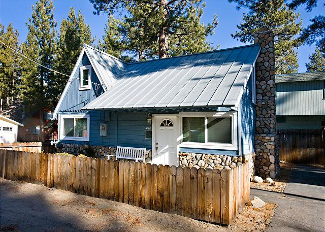 Front exterir - Cozy cabin near the lake- internet, fireplace, skiing, hiking - South Lake Tahoe - rentals