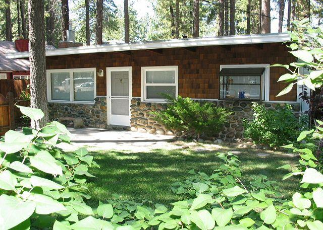 Exterior - Great beach cabin - cute and cozy - South Lake Tahoe - rentals