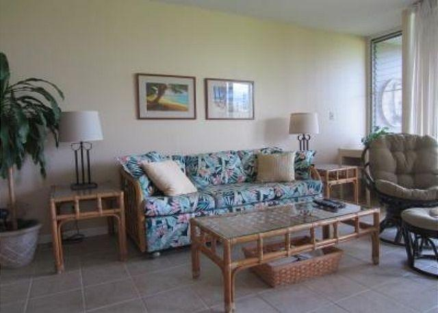 Living Room - Turtle Bay 077 West *** - Kahuku - rentals
