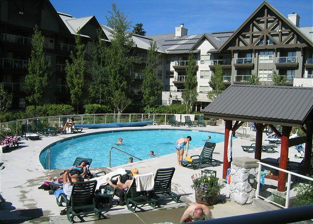 Luxury 2 bdm Ski in, ski out condo hot tubs, pool, view, free internet - Image 1 - Whistler - rentals
