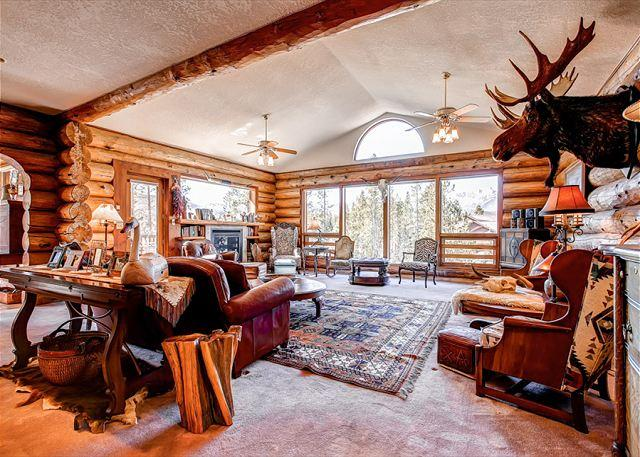 Swan River Lodge Great Room Breckenridge Vacation Home Rentals - Swan River Lodge 5-Bdrm Rustic Log Home Views WIFI Breckenridge Lodging - Breckenridge - rentals
