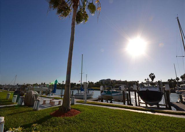 Madeira Beach Yacht Club 261D - Waterfront Condo newly refreshed in 2013! - Image 1 - Madeira Beach - rentals