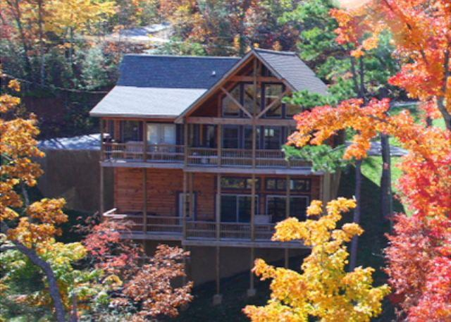 Gorgeous and Spacious Mountainside Lodge with Great Mountain Views! - Image 1 - Sevierville - rentals