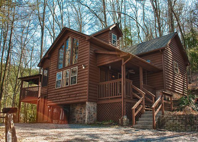The Name Says It  Private and Spacious Mountain Getaway!   SNUG - Image 1 - Sevierville - rentals