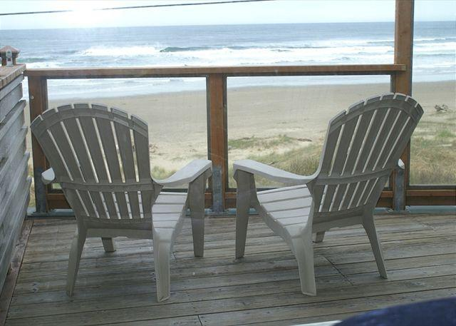 NeahKahNie Deck Overlooking Manzanita Beach - Oceanfront, spectacular views, fireplace. deck, charcoal BBQ. WiFi, DSL - Manzanita - rentals