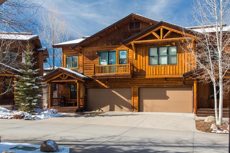 Mountaineer 2905: Luxury, Private Hot Tub, Shuttle - Image 1 - Steamboat Springs - rentals