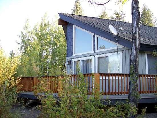 Large Deck with open meadow - Club Cabin - 2 Bedrooms, 1 Bath Modern Cabin. Sleeps 6. WIFI and Satellite TV. - McCall - rentals