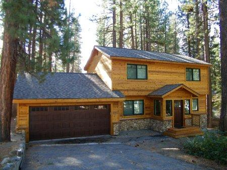 Very cute home a mile from Heavenly Ski & casino - HCH0682 - Image 1 - South Lake Tahoe - rentals