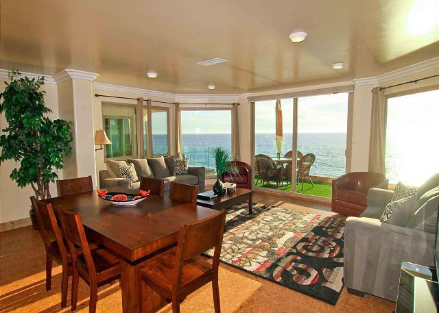 Oceanside Beach Vacation Rental - Beachfront Retreat with 2 Kitchens and Living Rooms P118-1 - Oceanside - rentals