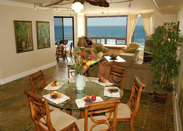 Dining room and living room with ocean views - Oceanfront Luxury Vacation Rental P908-3 - Oceanside - rentals