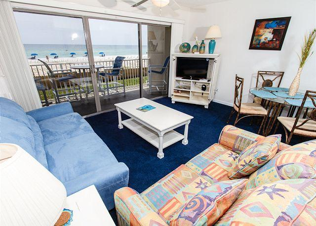 Living Room: breathtaking and quite relaxing - ETW1003:FREE BEACH SERVICE daily, 1BR updated, great views - Fort Walton Beach - rentals