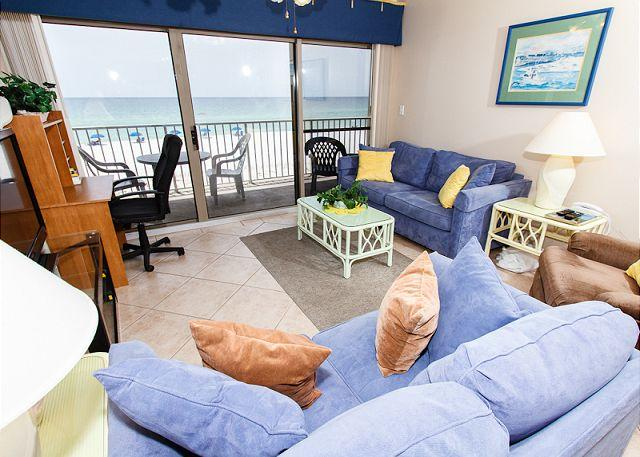 Living Room - ETW 2005:BEACHFRONT 3 BR,FREE BCH SVC,4 HDTVS - Fort Walton Beach - rentals