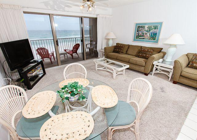 Living Room - ETW 3004:1bedroom,beachfront,free beach service,WIFI - Fort Walton Beach - rentals
