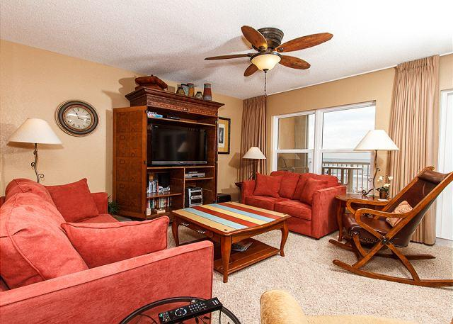 Living Room - condo #2002: Updated,Gulf-front,Professionally Decorated,WiFi,3 LCD TV's - Fort Walton Beach - rentals